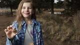 Bé gái 7 tuổi tìm được hóa thạch động vật cổ đại 65 triệu năm tuổi