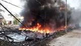Video: Hàng trăm học sinh nghỉ học vì cháy bãi phế liệu trong khu dân cư