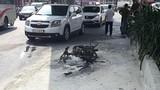 Video: Đốt xe ngay giữa phố Sài Gòn vì bị phạt vi phạm giao thông