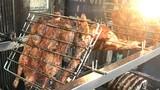 Bí ẩn hàng ngàn con vịt quay mất lưỡi bán tràn chợ Hà Nội