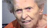 Cụ bà 92 tuổi bắn chết con trai để tránh vào nhà dưỡng lão