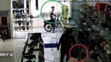 Video: Xem màn bắt cướp của nữ chủ quán và cái kết bất ngờ