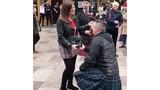 Người đàn ông cầu hôn vợ tại nơi đầu tiên cô đã chửi anh