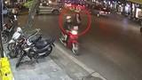 """Video: Tận thấy những màn cướp giật điện thoại """"nhanh như chớp"""""""