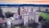 Chi 1,3 triệu đồng đã thành chủ nhân của lâu đài Pháp cổ kính