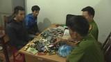 Rủ người yêu đi trộm hơn 200 chiếc điện thoại và đồng hồ đeo tay