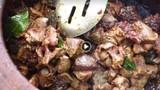 Video: Chế biến thịt lợn kiểu Ấn hút hơn triệu lượt xem vì quá bá đạo