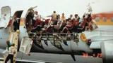 Video: Máy bay bung nóc ở độ cao hơn 7.000 m sống sót kỳ diệu ra sao?