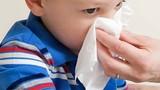 Điều cha mẹ nên biết khi trẻ nhập viện vì chảy máu cam ngày nóng