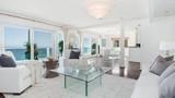 """""""Đột nhập"""" biệt thự nghỉ mát sang trọng của Jennifer Lopez"""
