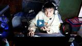 Video : Chàng trai khuyết tật làm streamer để phụ giúp gia đình
