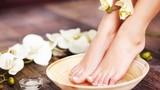 Thời tiết hanh khô cứ làm theo cách này, đảm bảo gót chân mịn màng