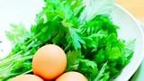 Phụ nữ thường xuyên ăn trứng gà ngải cứu lợi đủ đường