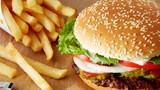 Bị chê chân to, cô gái giảm 15kg trong 6 tháng bằng đồ ăn nhanh