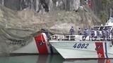 Xem tàu cảnh sát biển Việt Nam nguỵ trang, ẩn mình sát vách đá