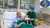 Video: Bệnh nhân 19 phục hồi tốt, vẫy tay với mọi người trong phòng bệnh