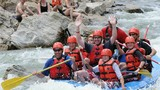 Chèo thuyền vượt thác trên những dòng sông nổi tiếng