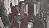 """Video: Gia chủ hớ hênh, trộm đột nhập chỉ """"xin"""" thứ ai cũng bất ngờ"""