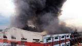Nhà kho hàng ngàn m2 sập đổ sập sau hỏa hoạn