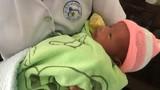 Vừa mới sinh, bé trai bị bỏ rơi trong tiết trời lạnh ở TP.HCM