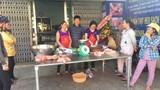 Kéo nhau đi mua thịt heo giá rẻ 40.000 đồng/kg