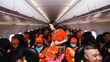 Công nhân, sinh viên nghèo về quê ăn tết trên chuyến bay miễn phí của Vietjet