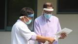 Bệnh nhân COVID-19 thứ 49 được công bố khỏi bệnh, 4 ca bệnh nặng âm tính 1-2 lần