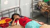 Mua nước cổng trường, bé gái uống nhầm axit: Nguy hại thế nào?