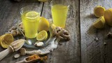 8 lợi ích chữa bệnh bất ngờ của nước chanh nghệ