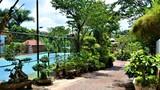 Nhà lầu 3 tầng có hồ bơi xây trên đất nông nghiệp của nữ thượng úy