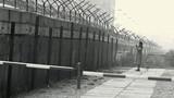 Khó tin độc chiêu vượt qua Bức tường Berlin thời Chiến tranh Lạnh