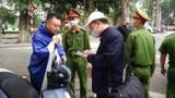 """Hà Nội đề xuất phạt """"nguội"""" người không đeo khẩu trang nơi công cộng"""