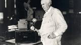 """Choáng váng phát minh """"kỳ quái"""" của hai nhà khoa học thiên tài"""