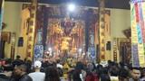 Người dân Hà Nội nô nức đi chùa cầu an sau giao thừa