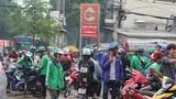Tạm dừng Grab và GoViet gọi xe 2 bánh tại Hà Nội để tránh dịch Covid-19