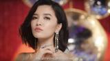 """Bích Phương mặc hở """"bạo"""" đọc thơ lục bát trong MV mới gây tranh cãi"""