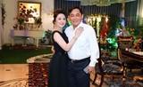 Netizen tò mò cách đối xử với con riêng của chồng bà Phương Hằng