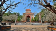 Tấm bia khu lăng tẩm có số lượng văn tự nhiều nhất ở Việt Nam