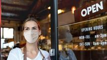 """Cực nóng: Tìm ra """"vũ khí đặc biệt"""" quét sạch COVID-19 trong nhà hàng"""