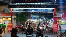 Loạt chợ dân sinh lớn ở Hà Nội bị phong toả do COVID-19