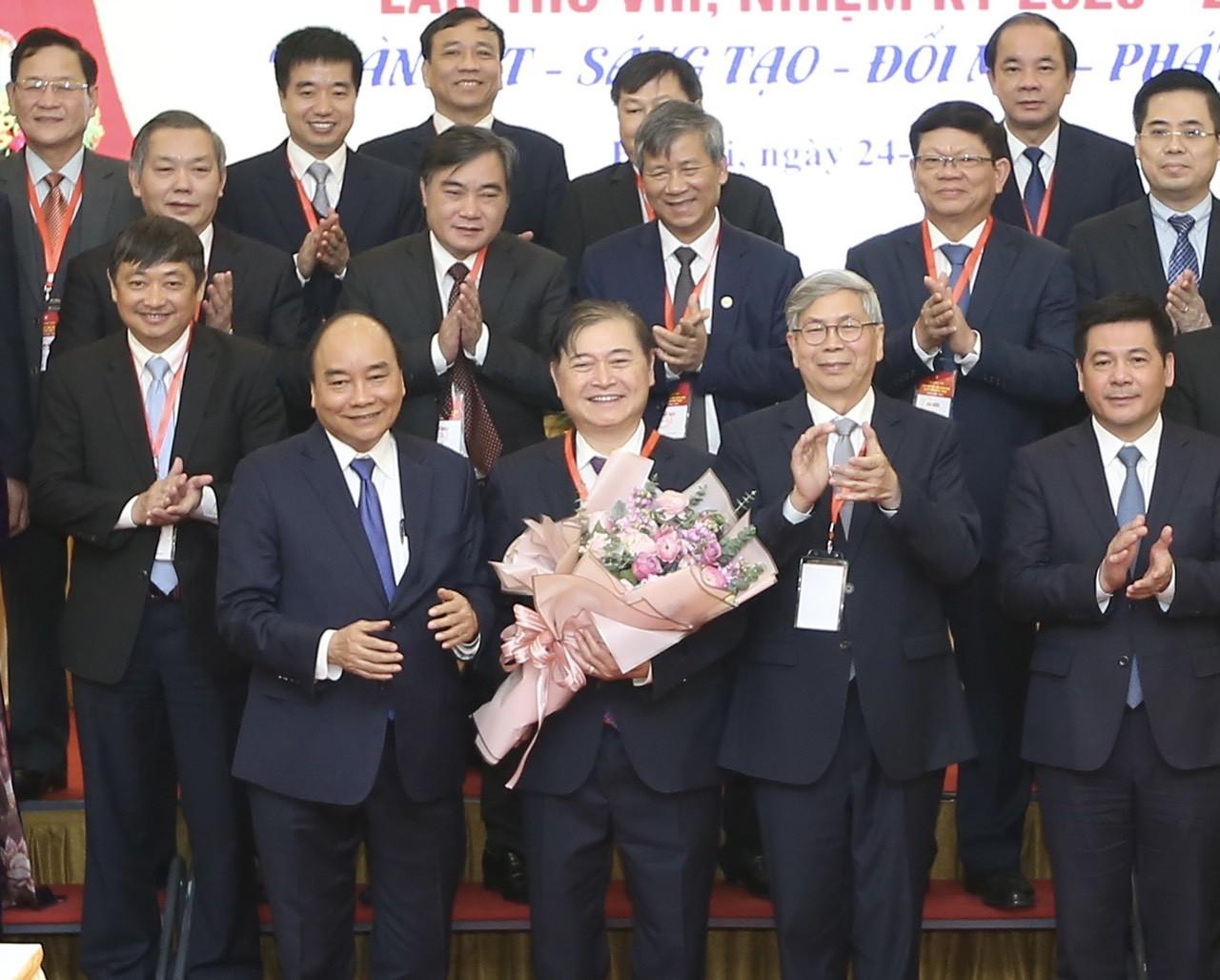 [e-MAGAZINE] Dau an su nghiep cua Tan Chu tich Lien hiep cac Hoi KH&KT Viet Nam Phan Xuan Dung