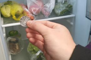 Tiết lộ lý do đặt đồng xu vào tủ lạnh trước lúc đi xa