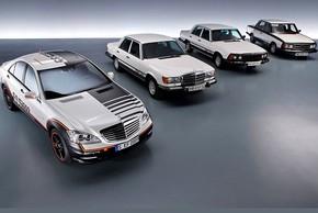"""""""Soi"""" xe thử nghiệm an toàn đầu tiên của Mercedes-Benz hơn 50 tuổi"""