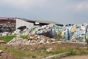 Dân bức xúc bãi phế liệu nghìn m2 mọc trên đất nông nghiệp