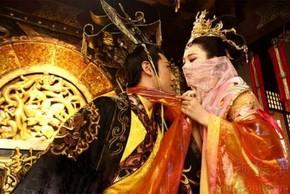 """Quái đản bài thuốc chữa khỏi bệnh """"khó nói"""" của vua Trần Dụ Tông"""