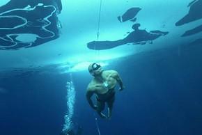"""Những kỷ lục khó tin của """"người cá"""" nổi tiếng nhất thế giới"""