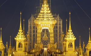 Cận cảnh Đài hóa thân Hoàng gia tưởng nhớ Vua Thái Lan Bhumibol