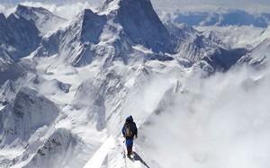 """Dịch COVID-19 đang đe dọa """"nóc nhà thế giới"""" Everest thế nào?"""