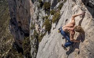 Phượt thủ người Anh mắc sai lầm gì khi leo núi ở Sa Pa?