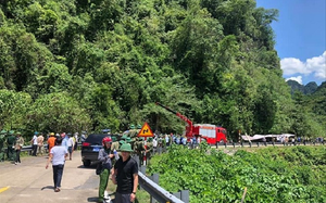 Nhiều nghi vấn vụ xe khách lật ở Quảng Bình khiến 15 người chết
